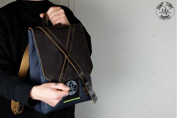''V'' Backpack 5 YRS - 5