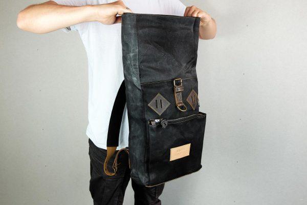Roll Top Backpack BLCK WAX - 2