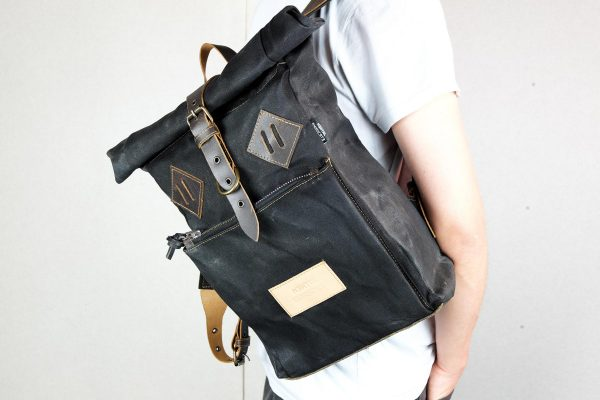 Roll Top Backpack BLCK WAX - 3